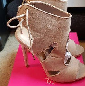 Heels/boots
